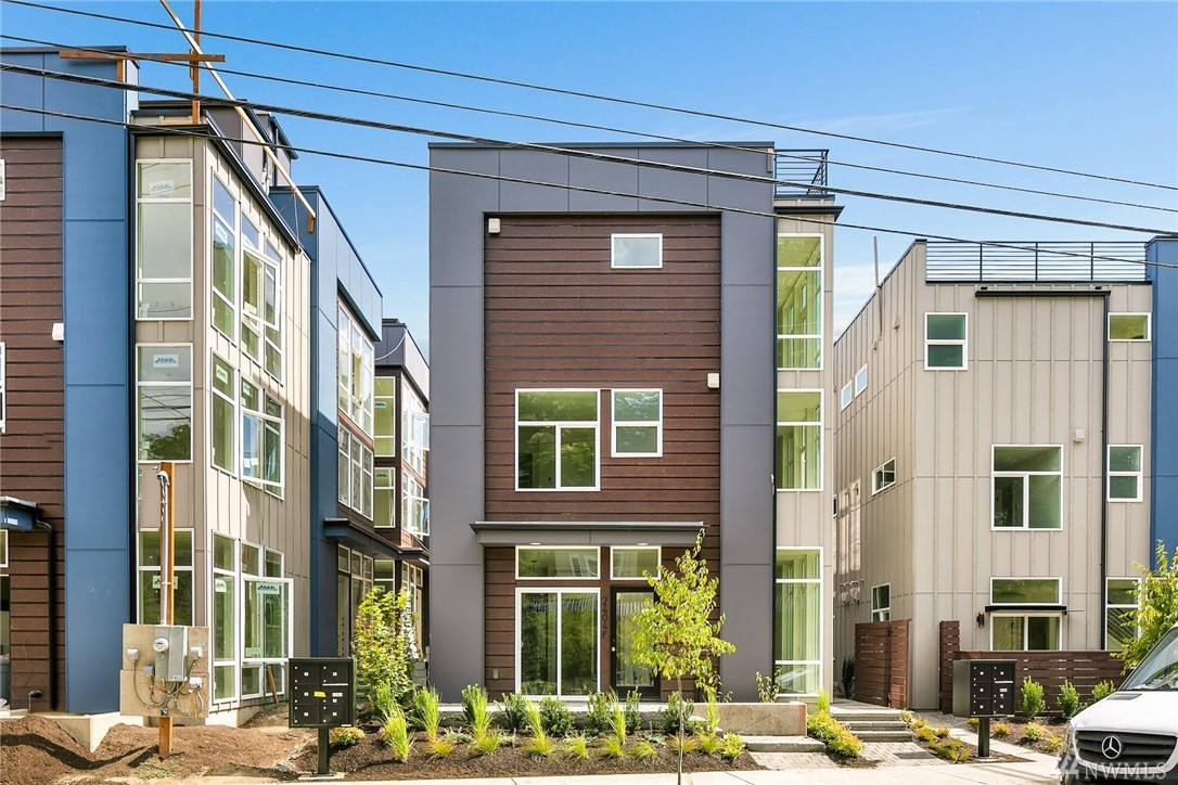 2404 A Dexter Ave N Seattle WA 98109