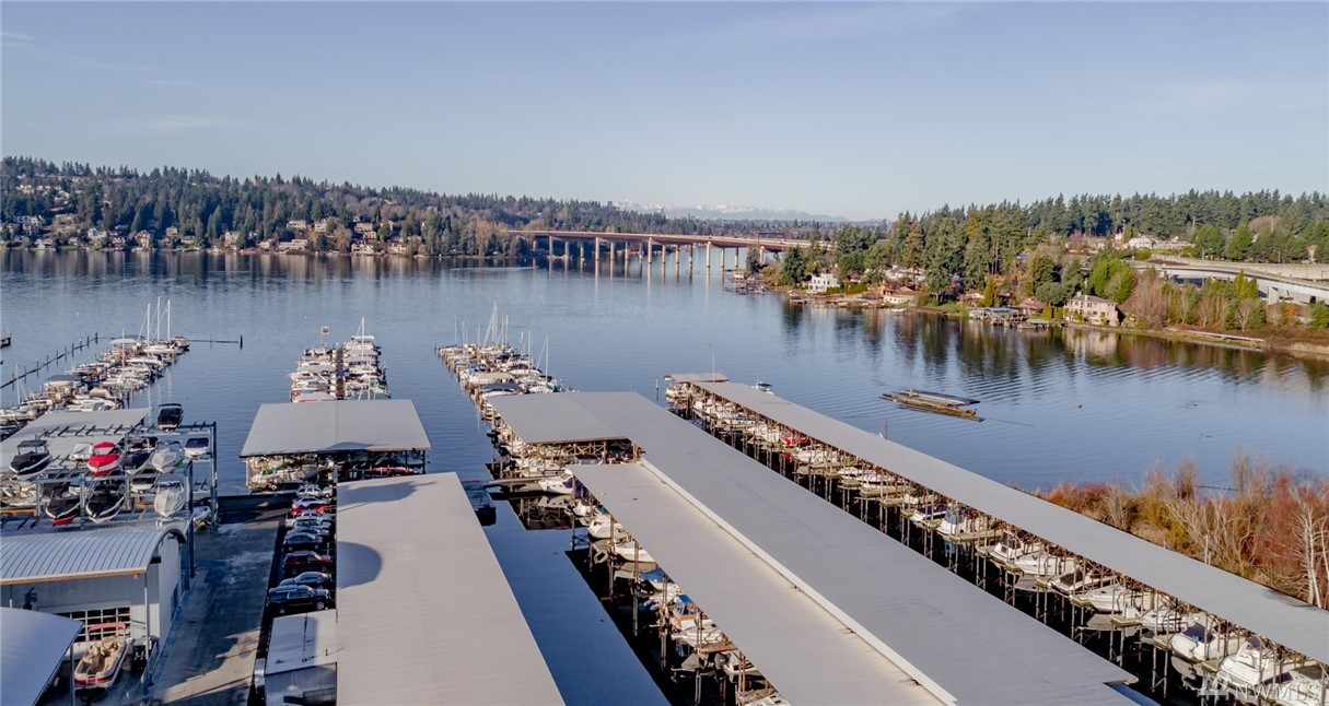 Photo 1 3911 Lake Washington Boulevard SE Unit C96 Bellevue WA 98006