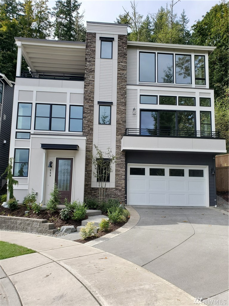 548 Foothills Dr NW Issaquah WA 98027
