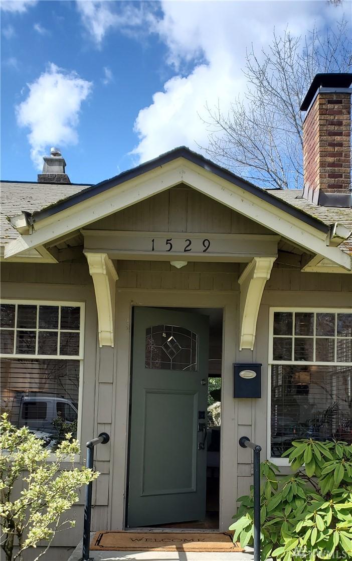 1529 42nd Ave E Seattle WA 98112