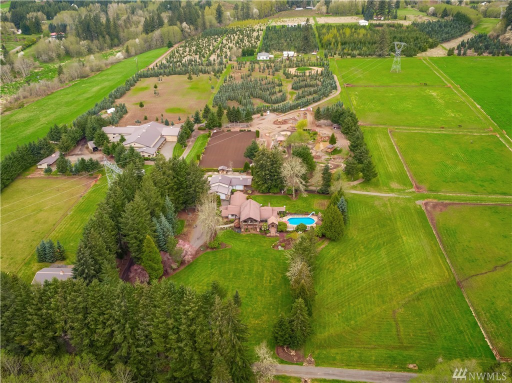 131 Crater View Dr Silver Creek WA 98585