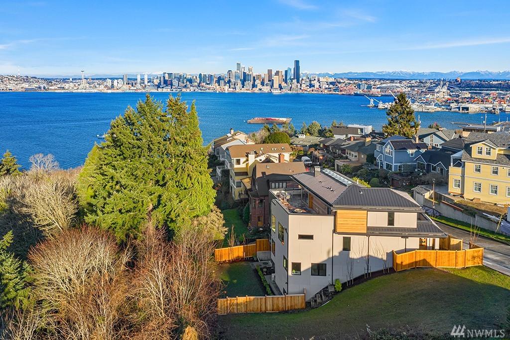 Photo 35 2318 Belvidere Ave SW Seattle WA 98126