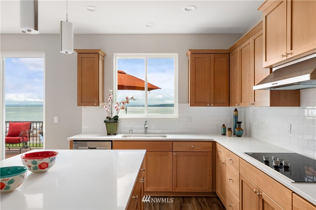 Photo 7 6599 Columbia Beach Dr Clinton WA 98236