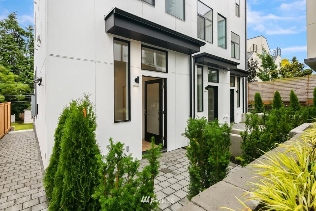 Photo 26 3831 23rd Ave W Unit B Seattle WA 98199