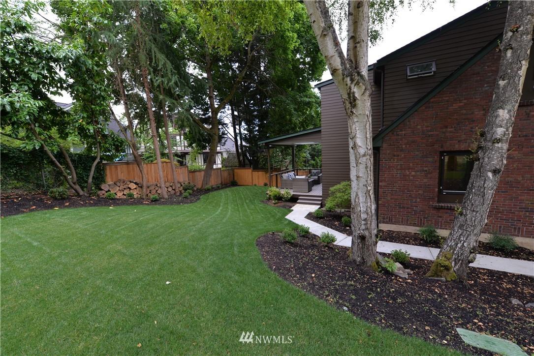 Photo 9 4339 NE 44th St Seattle WA 98105