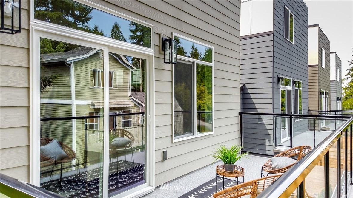 Photo 20 10406 2nd Pl SW Seattle WA 98146