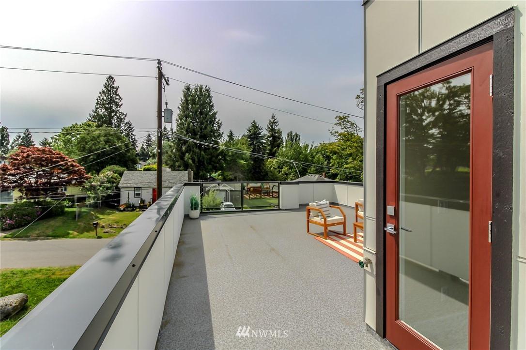 Photo 23 10406 2nd Pl SW Seattle WA 98146