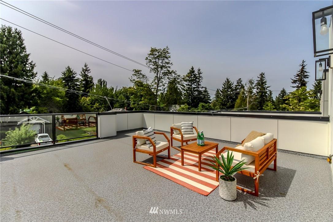 Photo 24 10406 2nd Pl SW Seattle WA 98146