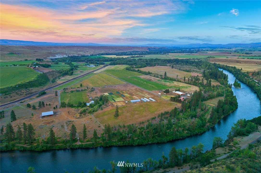 1250 Dudley Rd Thorp WA 98946