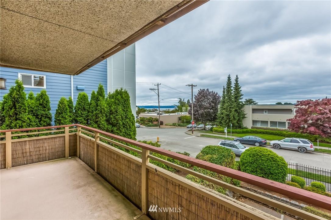 4444 44th Ave SW Unit 201 Seattle WA 98116