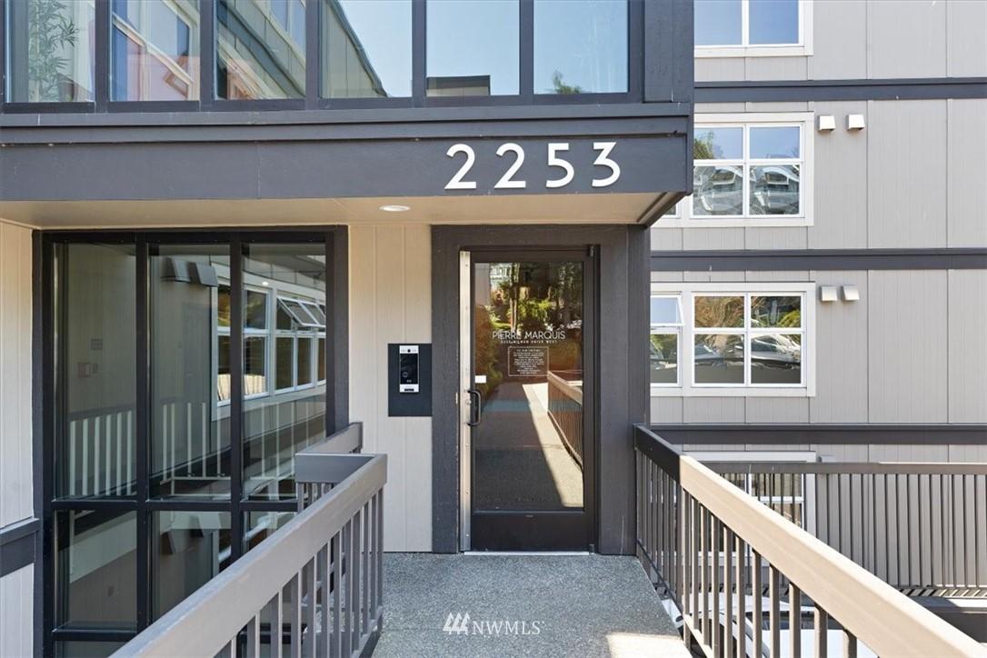 2253 Gilman Drive W Unit 309 Unit 309 Seattle WA 98119