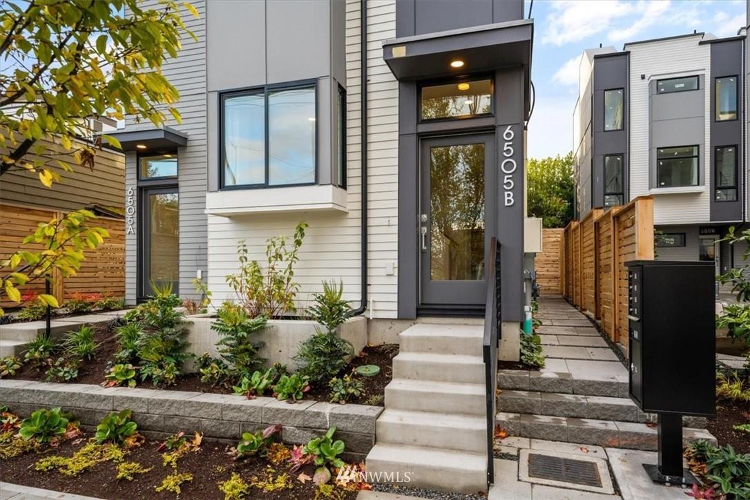 Photo 1 6505 Phinney Ave N Unit B Seattle WA 98103