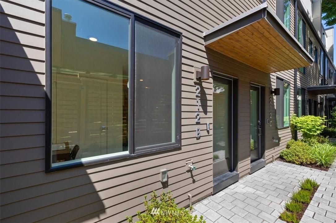 212 18th Ave Seattle WA 98122