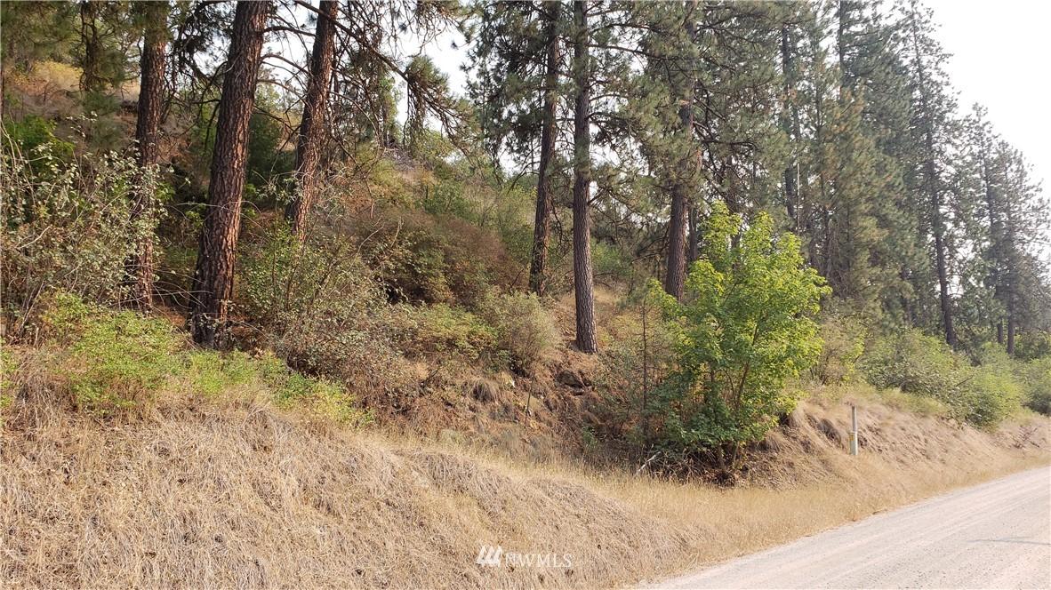 5013 Columbia River Rd Hunters WA 99137