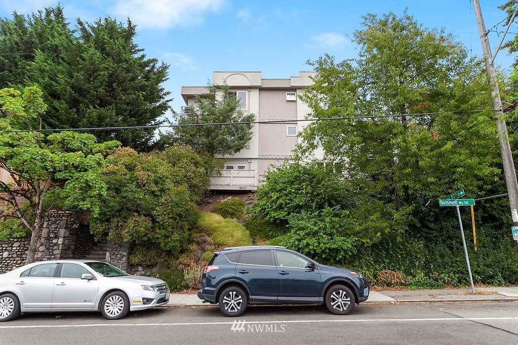 5624 Roosevelt Way NE Unit 202 Unit 202 Seattle WA 98105