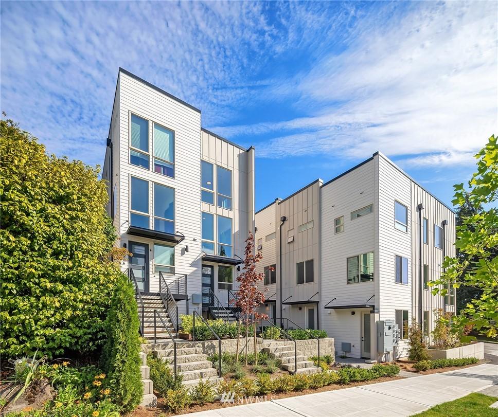 5504 31st Ave NE Seattle WA 98105
