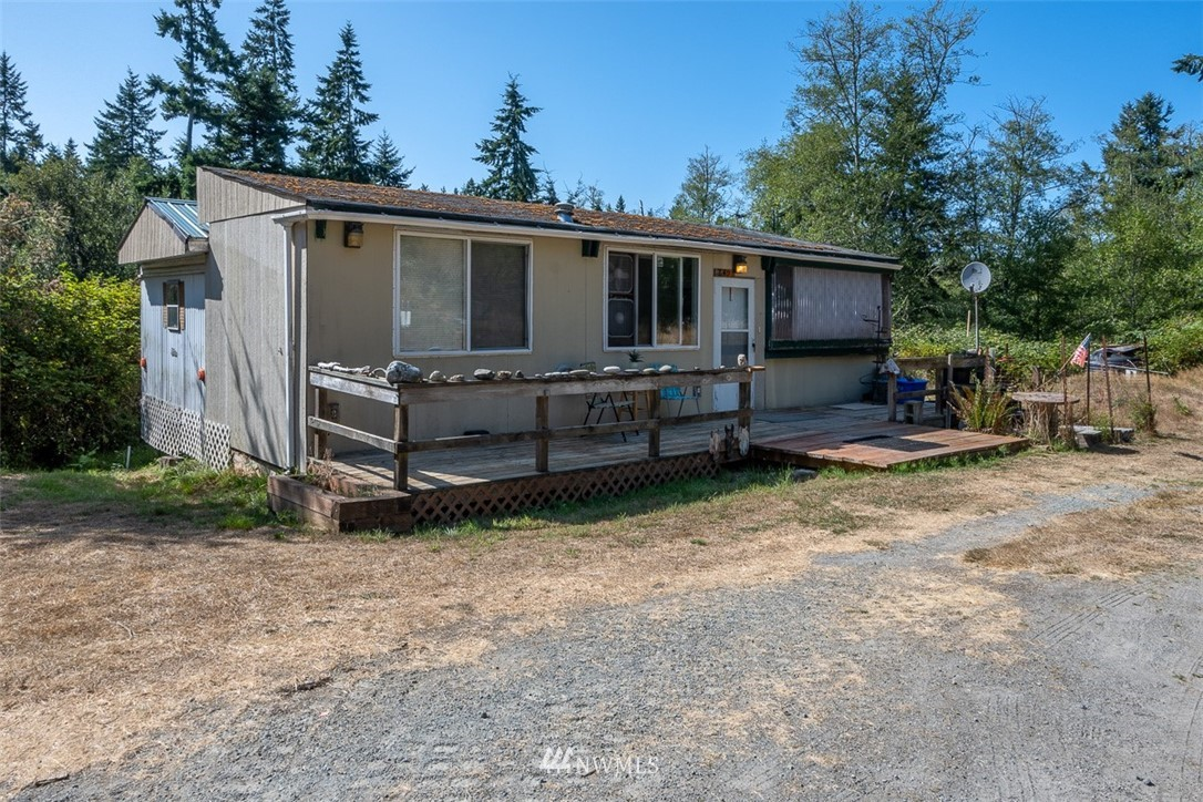 649 Larson Rd Greenbank WA 98253