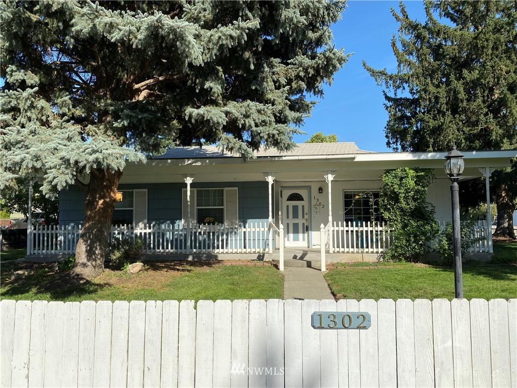 1302 Cedar Ave Richland WA 99354