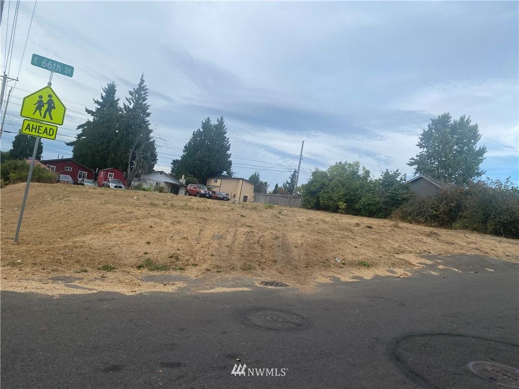 1305 E 66th St Tacoma WA 98404