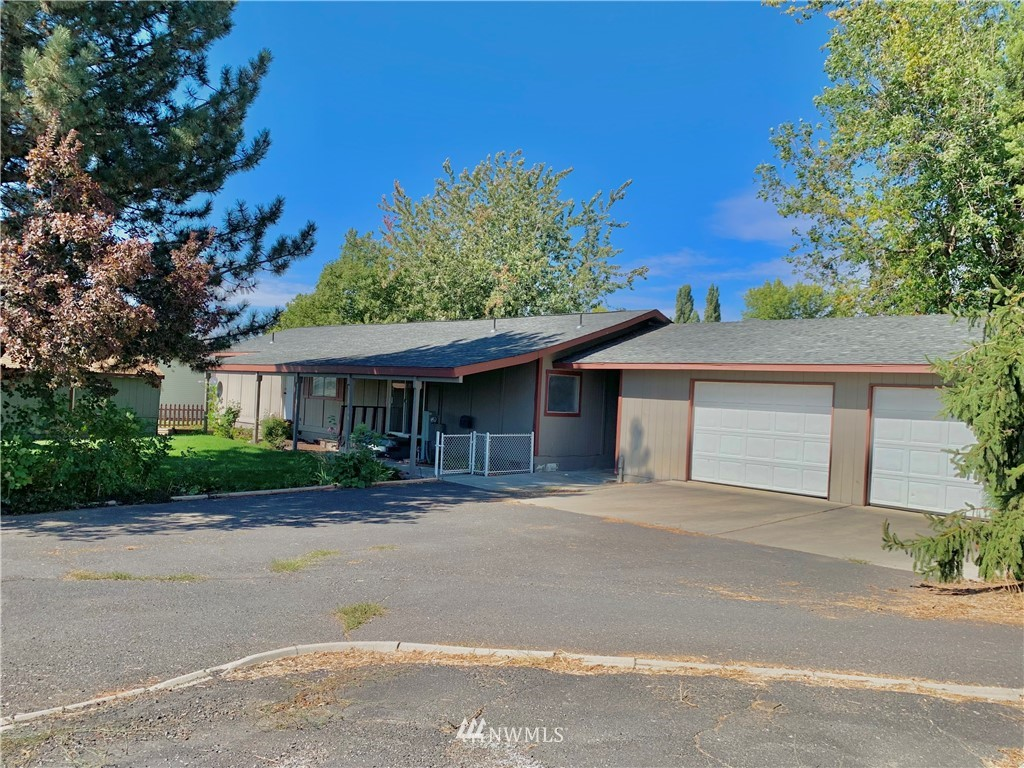 16820 SE Out Of Bounds Lane Warden WA 98857