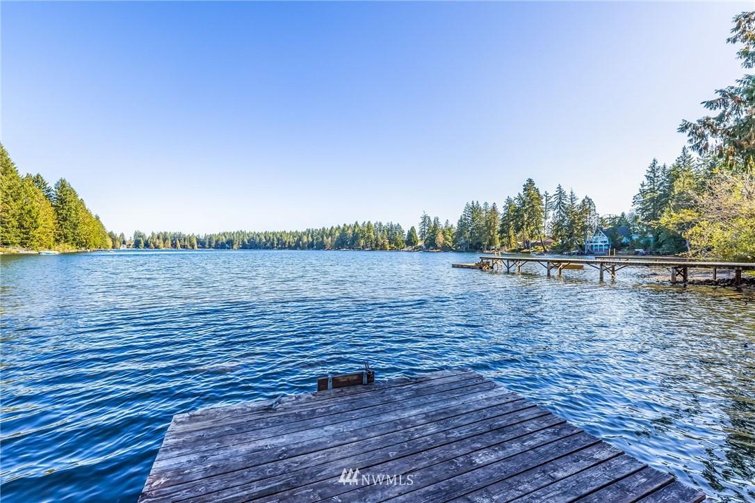 690 E Benson Lake Dr Grapeview WA 98546