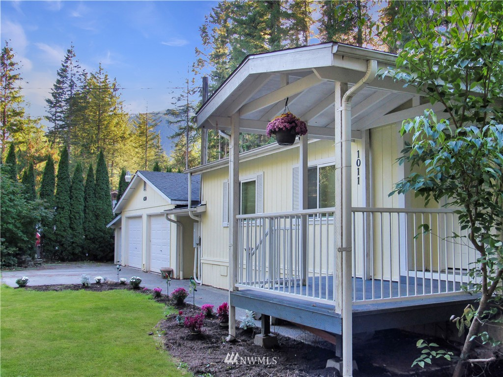 1011 Red Valley Lane Maple Falls WA 98266