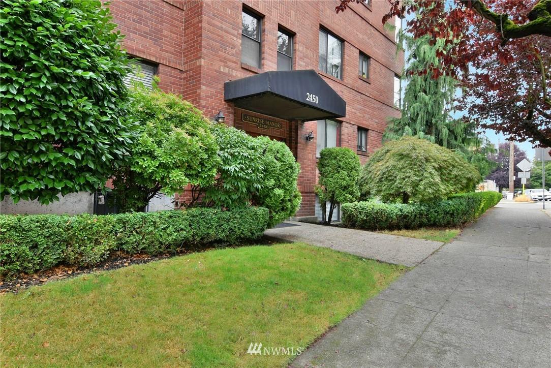 2450 Dexter Ave N Unit 202 Unit 202 Seattle WA 98109