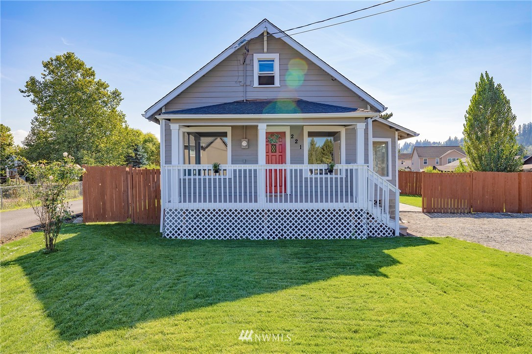 221 3rd Ave NW Pacific WA 98047