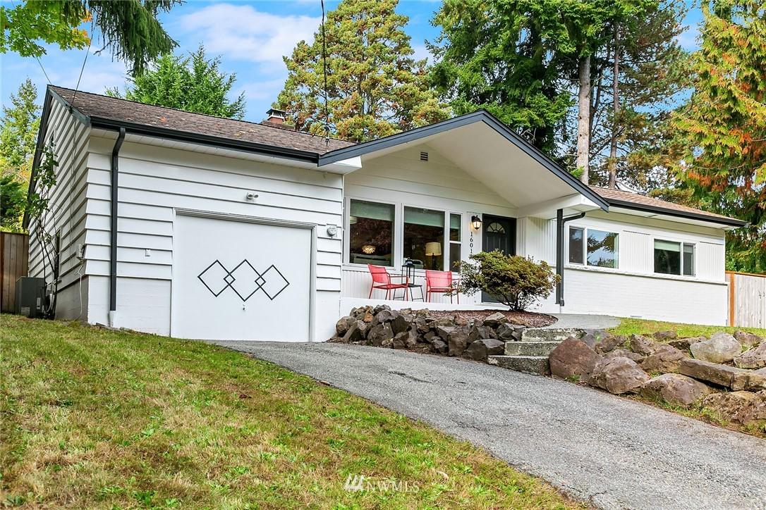 16014 Lake Hills Blvd Bellevue WA 98008