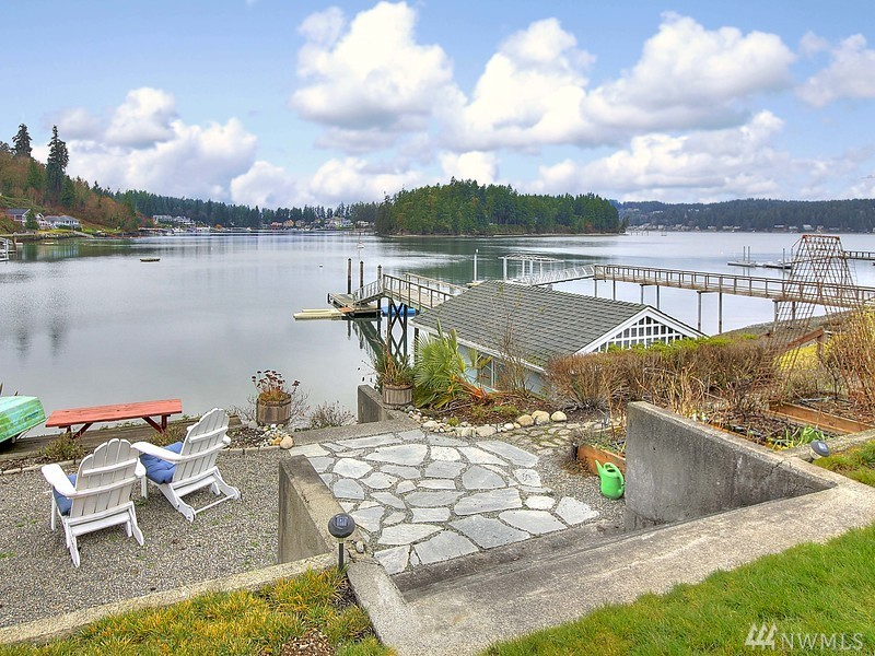 Photo 3 492 6th FI Ave Fox Island WA 98333